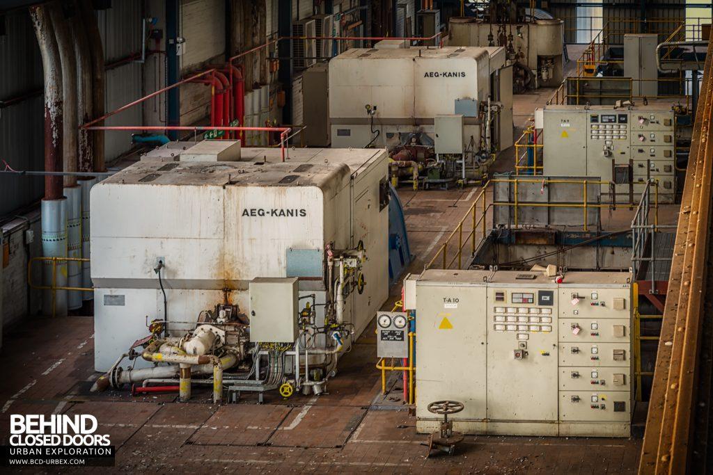 Spondon H Power Station - AEG Kanis enclosures in turbine hall