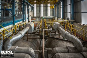 Spondon H Power Station - Tanks and pipes in turbine hall