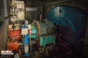 Spondon H Power Station - Gears inside enclosure