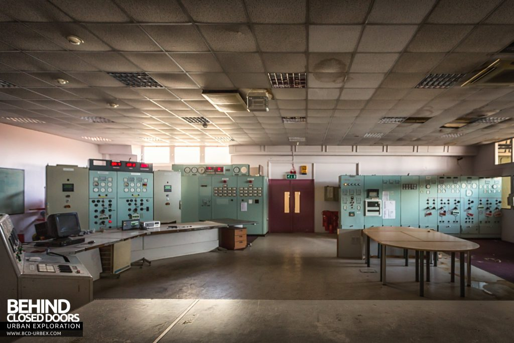 Spondon H Control Room - Wide view of the power station's nerve centre