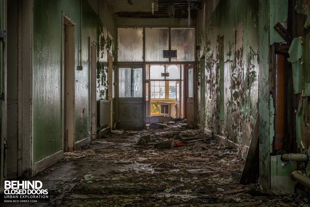 St. Brigids / Connacht Asylum - Very decayed corridor