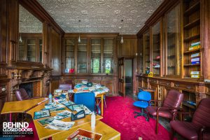 Battenhall Mount - Wood panelled room