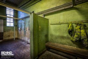 Goodyear Mixing and Retread Plant, Wolverhampton - Old decaying shower room