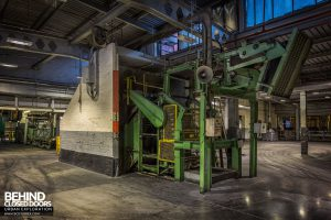 Goodyear Mixing and Retread Plant, Wolverhampton - Top of a conveyor elevator
