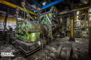 Goodyear Mixing and Retread Plant, Wolverhampton - Tyre stripping machine