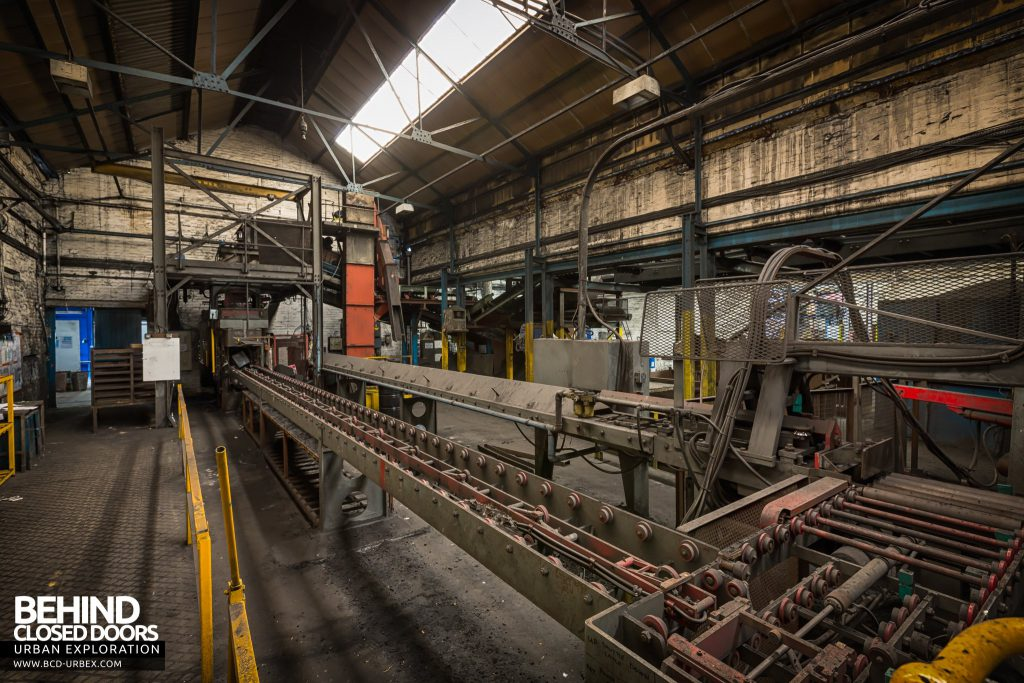 Chamberlin & Hill Castings, Leicester - Hunter HV mould handling machine