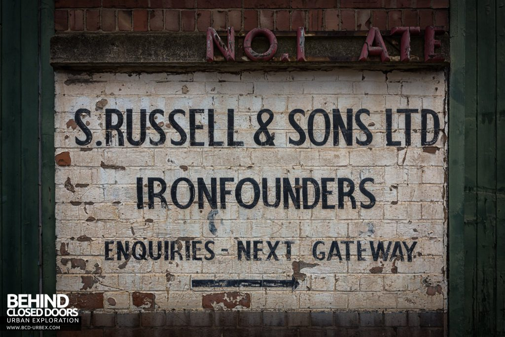 Chamberlin & Hill Castings, Leicester - Ghost sign revealing the buildings origins as S. Russell & Sons Ltd, Ironfounders