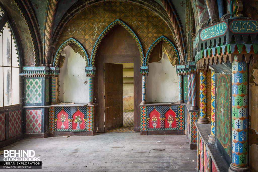 Château Stromae / Castle 65, France - Arabian themed room