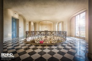 Château Sarco, France - Upstairs gallery
