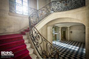 Château Sarco, France - On the staircase