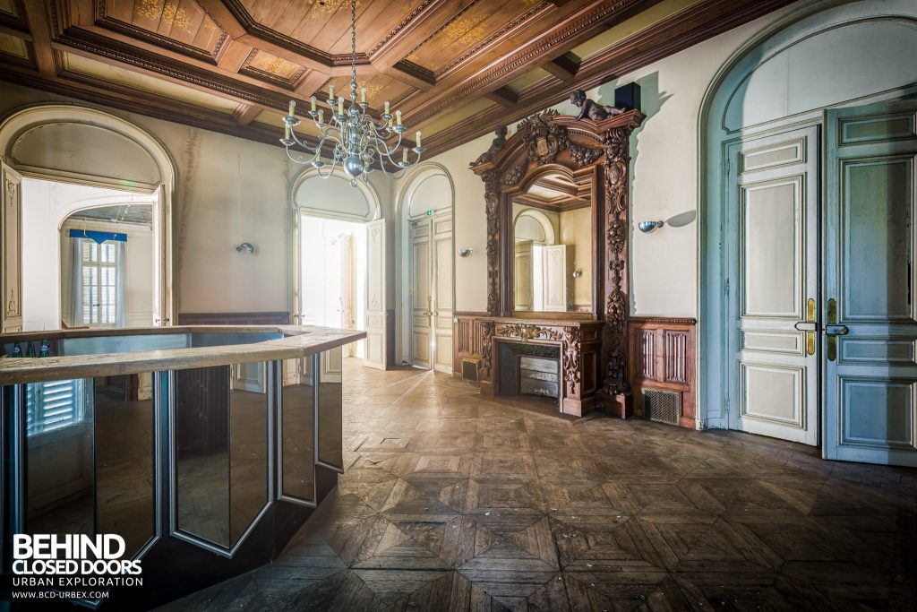 Château Sarco, France - The house was later used a hotel, and this room would have been the bar