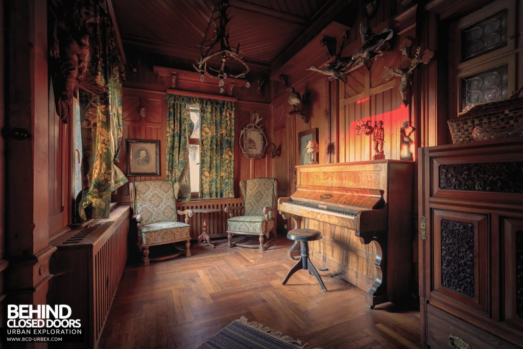 The Hunters Hotel, Germany - Piano in a snug corner of the dining room