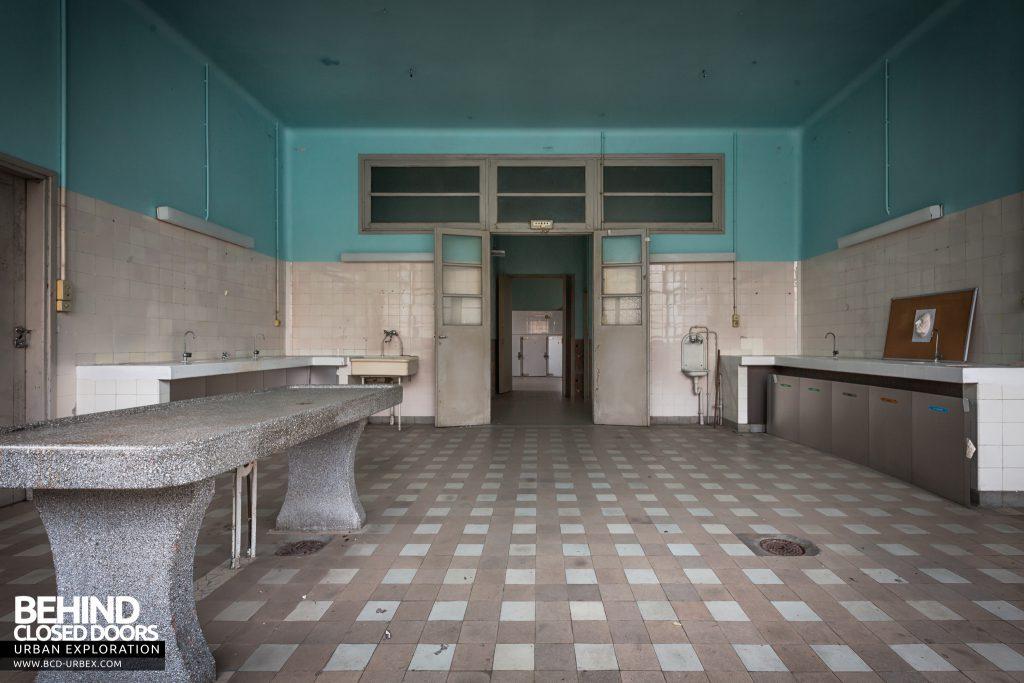 La Morgue Prelude, France - View towards the doors