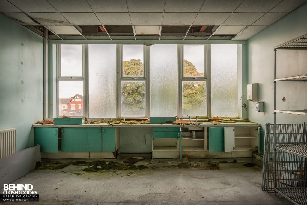 North Staffordshire Royal Infirmary - Decay had in inside this room
