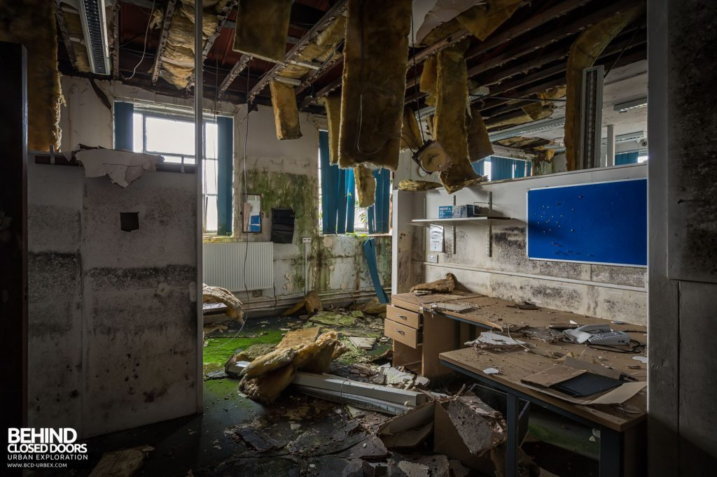 North Staffordshire Royal Infirmary - Very decayed lab office