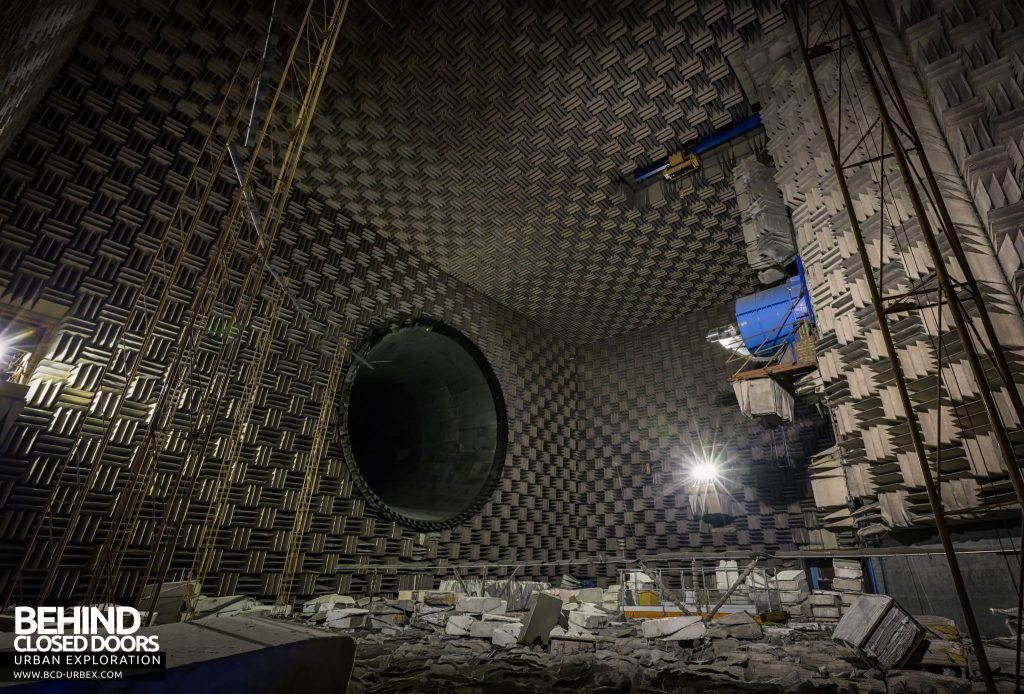 NGTE Pyestock Anechoic Chamber - View towards the exhaust duct showing fixed microphone towers