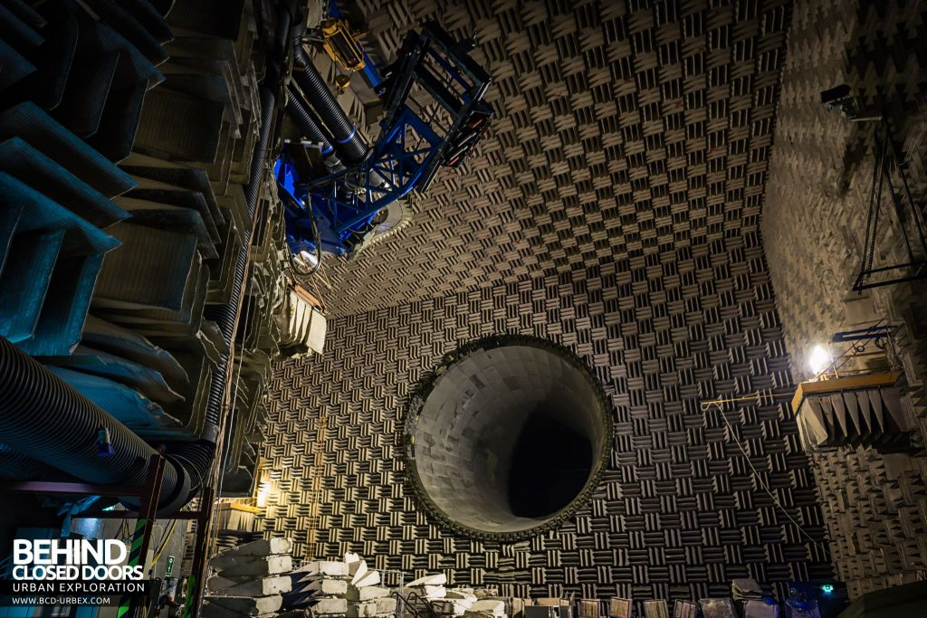 NGTE Pyestock Anechoic Chamber - Looking towards the exhaust duct