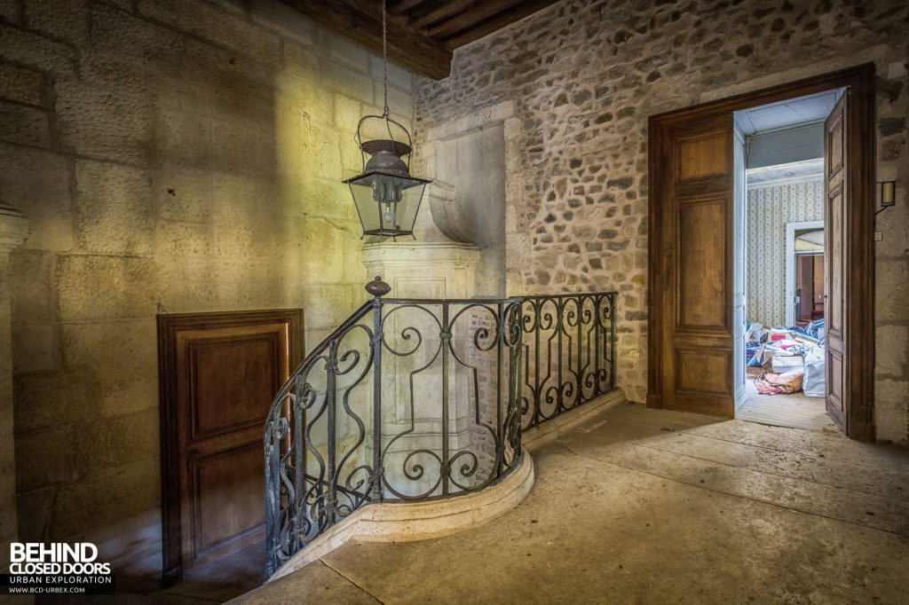 Abandoned French Chateau - Top of the staircase