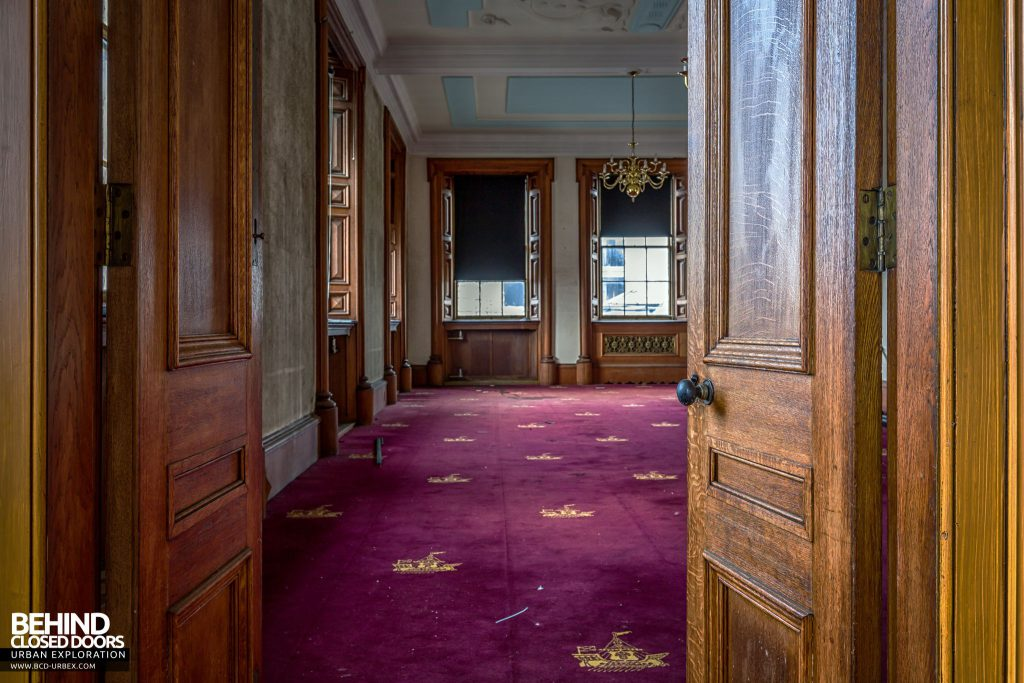 Harbour Chambers, Dundee - From the Harbour Clerk's office these doors lead into a grand boardroom