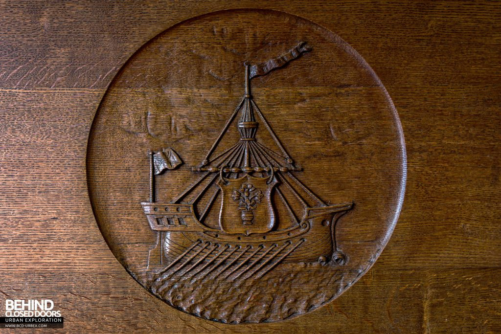 Harbour Chambers, Dundee - Port Authority logo carving on a fireplace