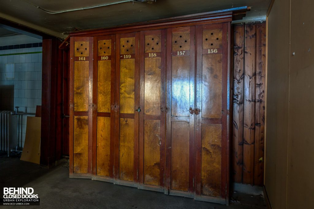 Jordanhill College, Glasgow - Old wooden lockers