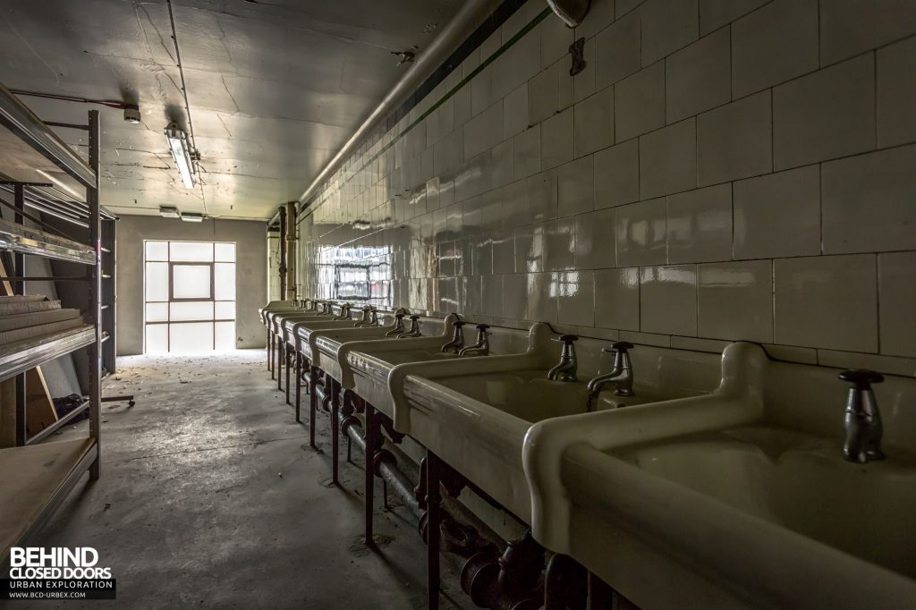 Jordanhill College, Glasgow - Rows of sinks from seminary dorms