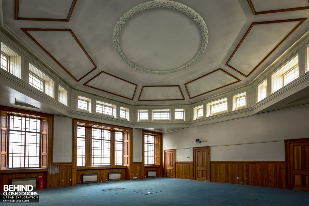 Old Royal High School / Parliament House - Former library to one side of the debating chamber