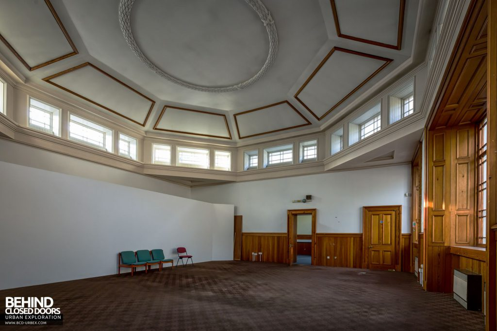Old Royal High School / Parliament House - The room at the other side mirrored the library