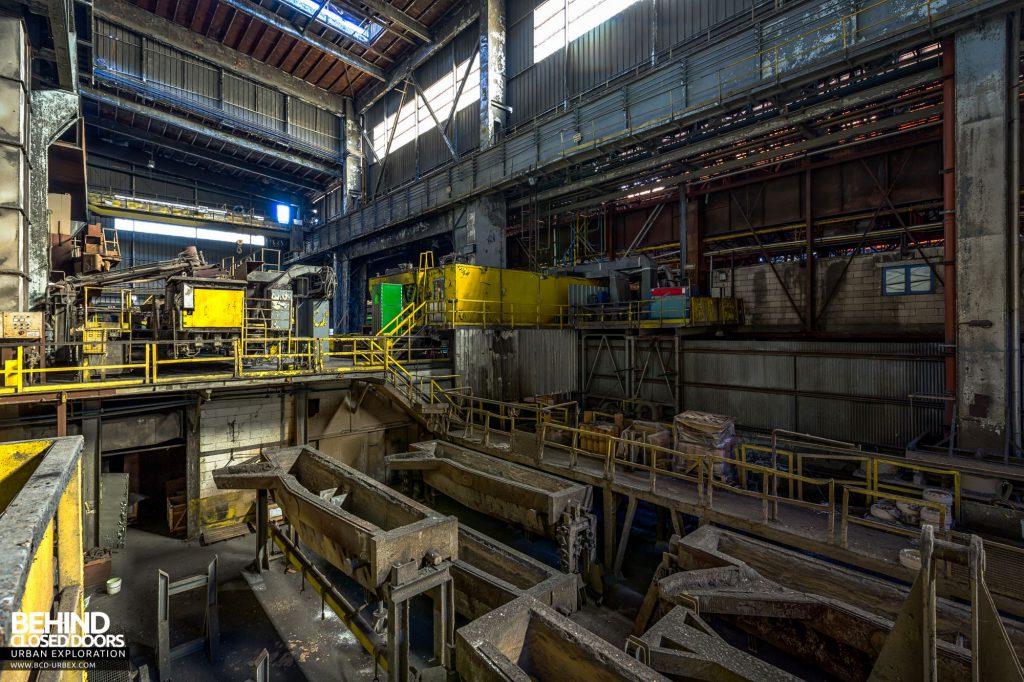 Duferco La Louvière - Molten steel trucks