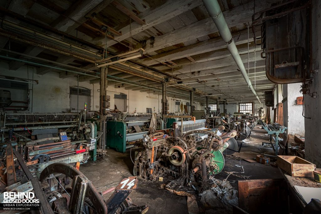 Anderl Textile Mill - Old weaving machinery