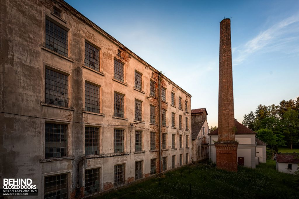 Anderl Textile Mill - The main mill building and the newer of the two chimneys