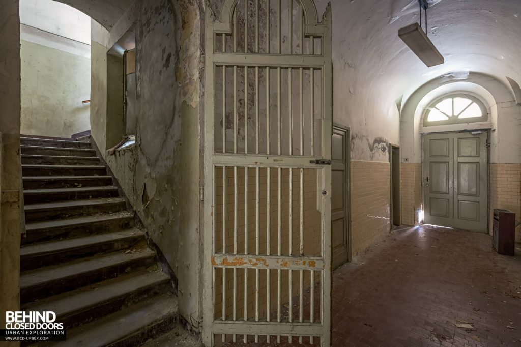 Manicomio Di Voghera - Some of the stairwells are gated