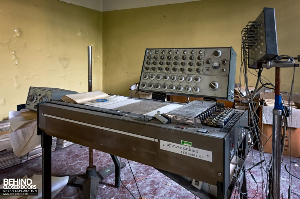 Manicomio Di Voghera - EEG machines were used to record brain activity