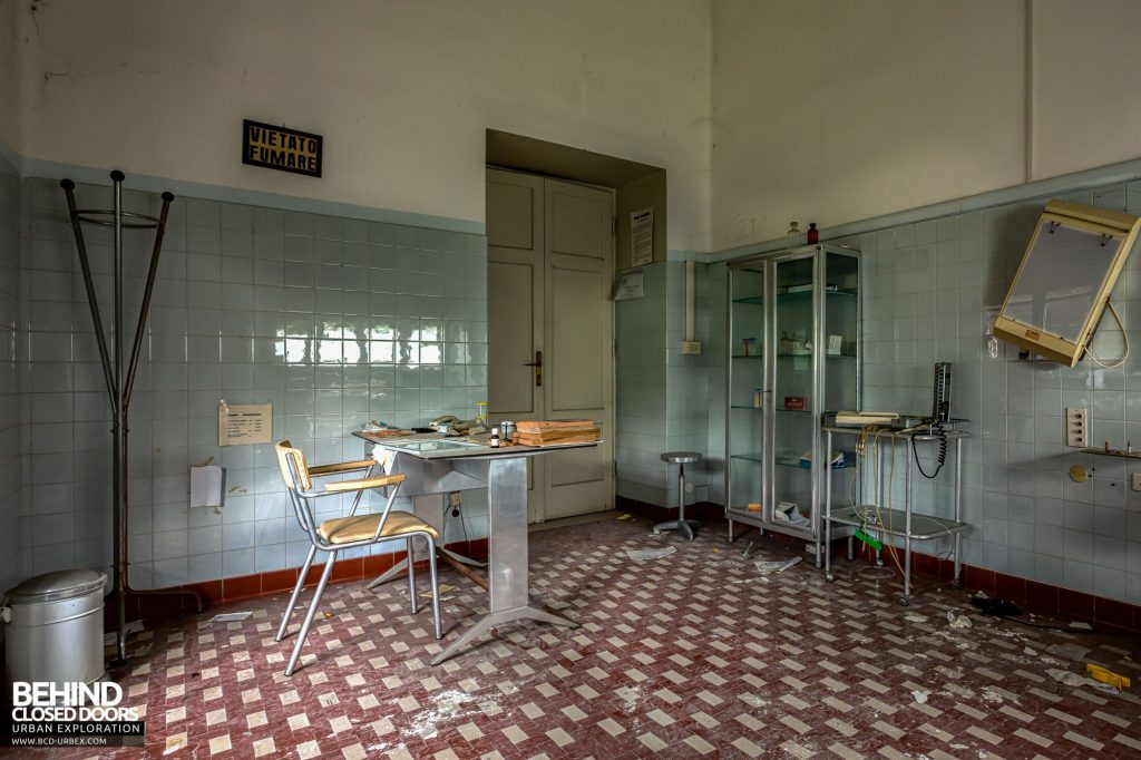 Terme Tommasini - An old fashioned looking medical room