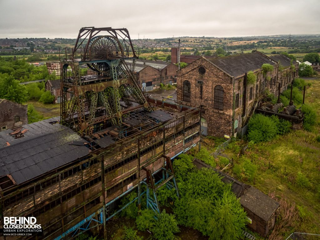 Chatterley Whitfield Colliery - Hesketh headgear, winding house and power house