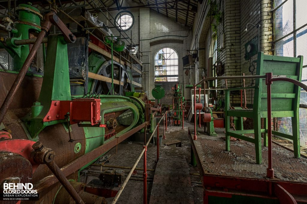 Hesketh Winding House - Steam winder with the banksman's position to the right