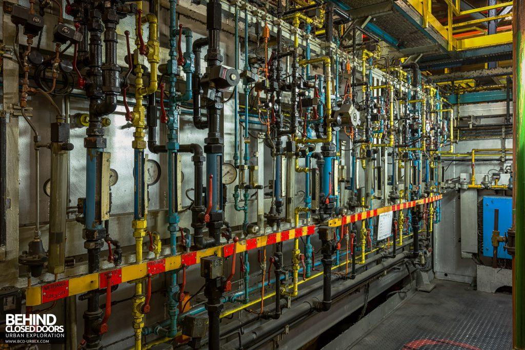 Caterpillar, Gosselies - An array of pipes and valves
