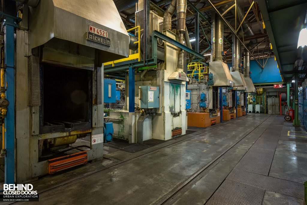 Caterpillar, Gosselies - Rows of furnaces