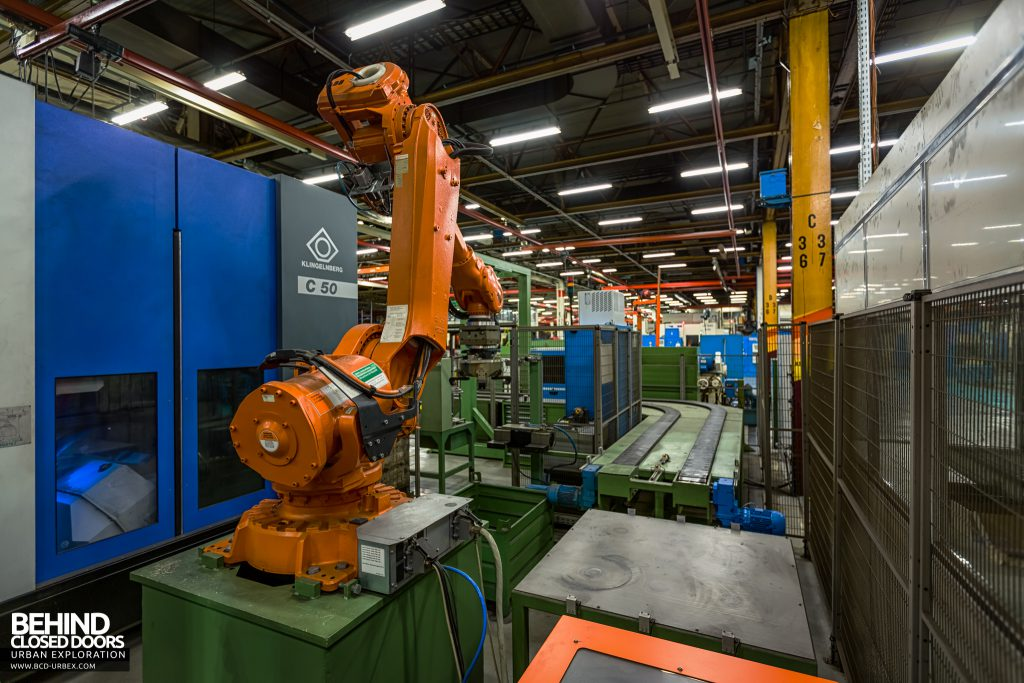 Caterpillar, Gosselies - Another robot