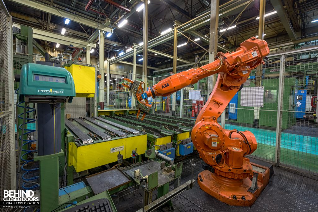 Caterpillar, Gosselies - Robot on the production line