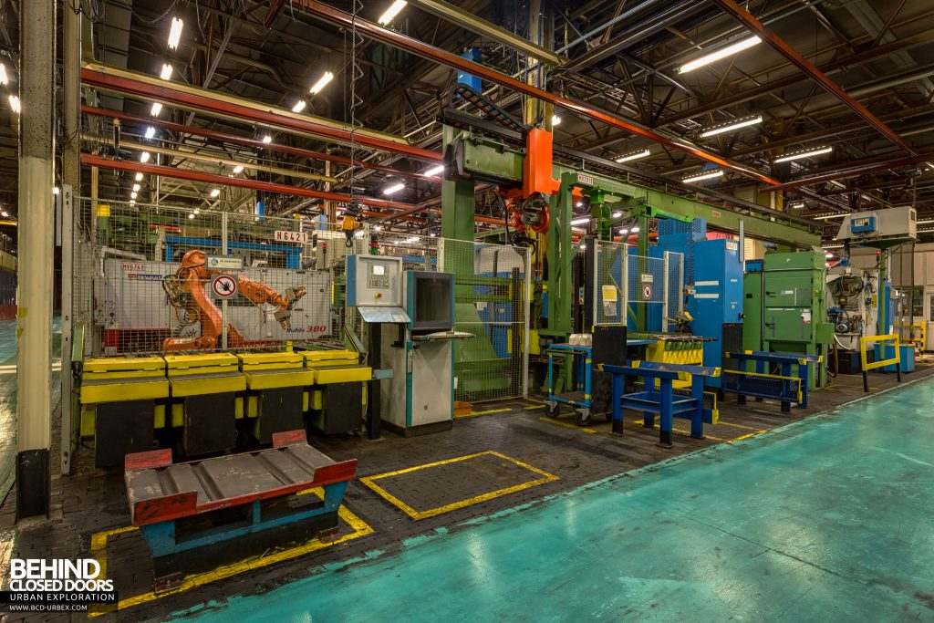 Caterpillar, Gosselies - More robotic production line