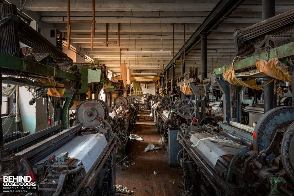 Anderl Textile Mill - Automated weaving looms