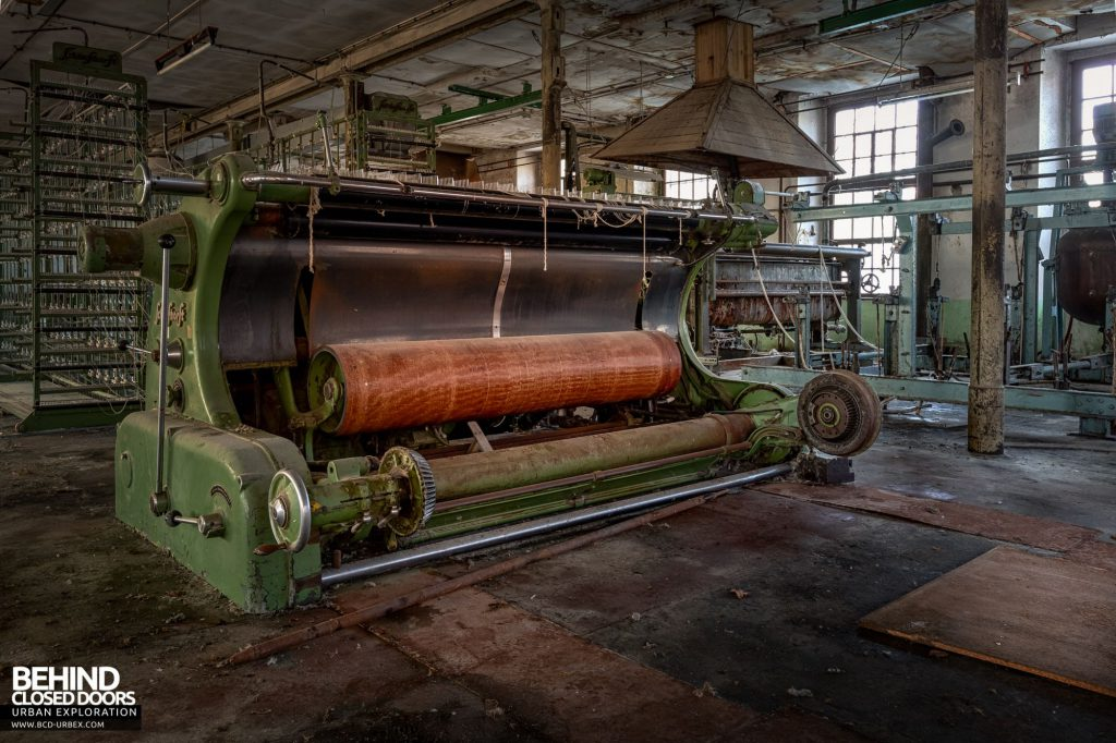 Anderl Textile Mill - Rollers of a Schlafhorst machine