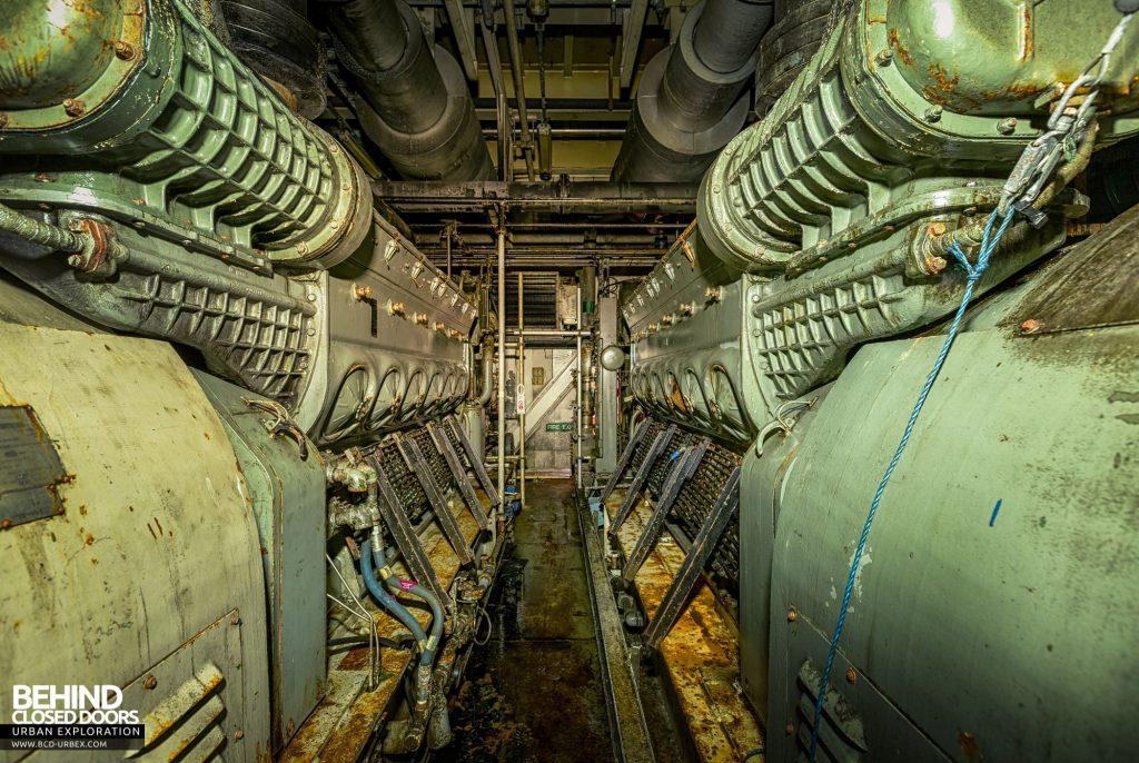 Brent Delta - Between the engines