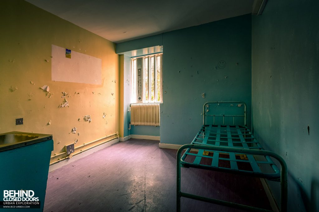 Holloway Prison - Single prisoner cell