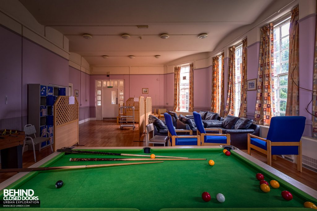 Whitchurch Hospital - Pool table and sofas in day room