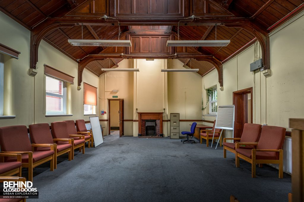 Whitchurch Hospital - Room with nice ceiling