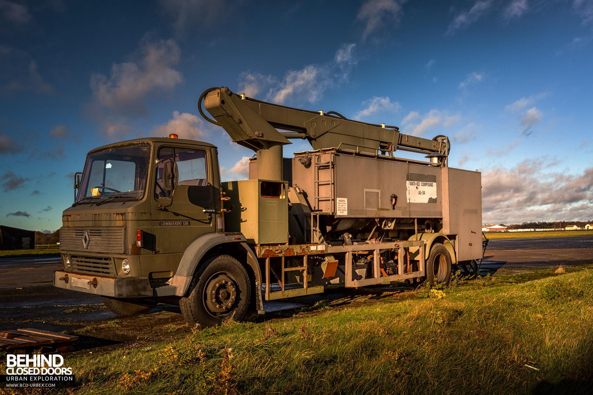 RAF Bentwaters - De-icer truck