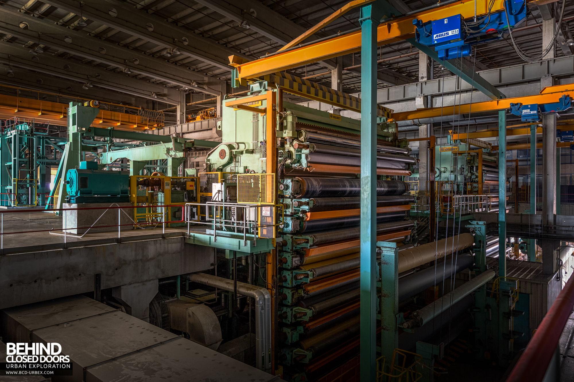 Stora Enso, Corbehem - Top of the huge calender's roller assembly