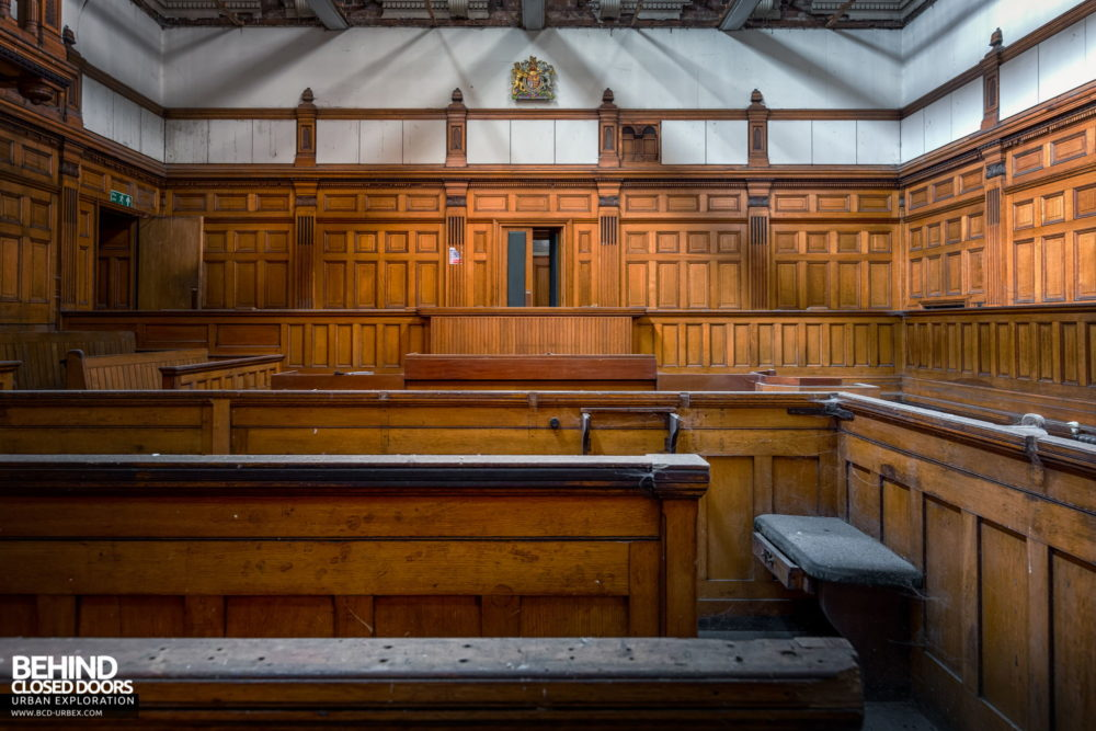 Nottingham Guildhall - Courtroom No. 1 from the front